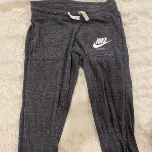 Nike vintage cropped jogger/sweatpants